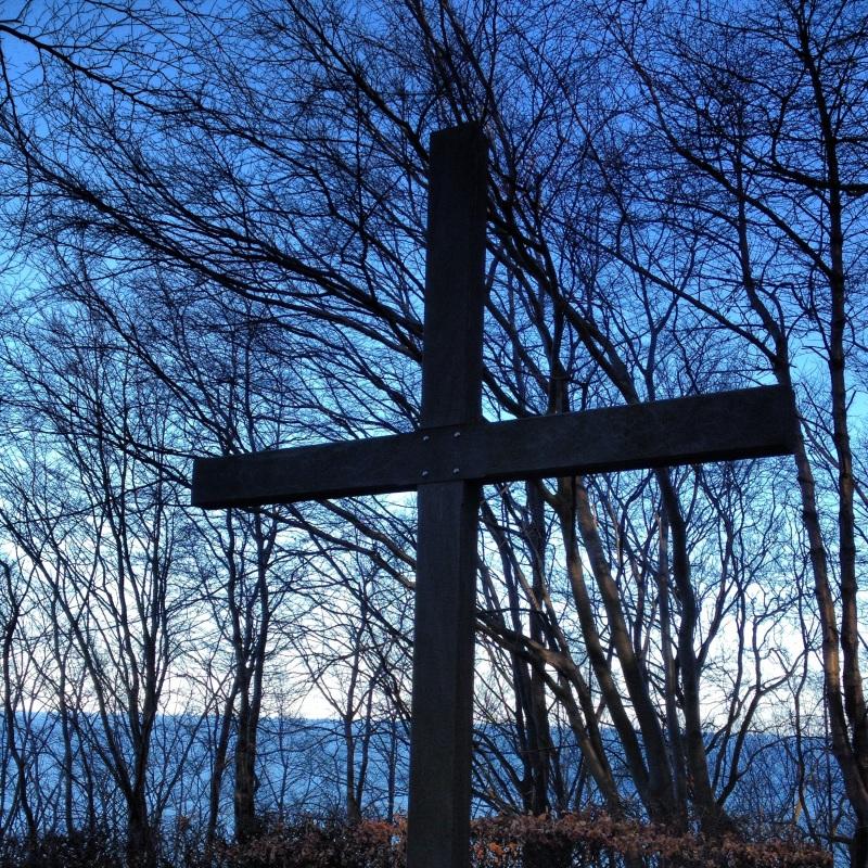 Dead sailors cross